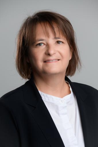 Bild zu OTS - Helga Aigner, CFO Bayer Austria