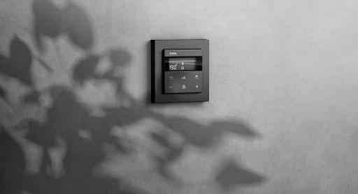 Neu: Das Gira System 3000 steuert jetzt neben Licht und Jalousie auch die Raumtemperatur. In Österreich ist die Produkterweiterung bereits im führenden Elektrofachhandel erhältlich. www.gira.at