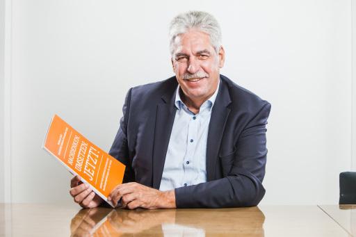 """Dr. Hans Jörg Schelling präsentiert das Weißbuch """"Zukunft der Gesundheitsversorgung"""""""