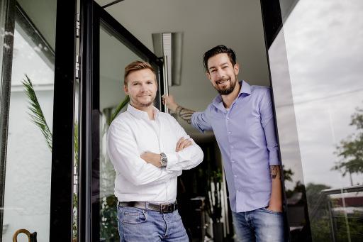 Die beiden Geschäftsführer und Gründer des Finanz Startups OPTIFIN GmbH
