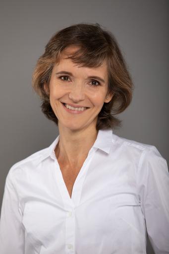 Dr.in Hemma Swoboda, Fachärztin für Psychiatrie und psychotherapeutische Medizin sowie Psychotherapeutin, Obfrau von pro mente Wien, der Gesellschaft für psychische und soziale Gesundheit.