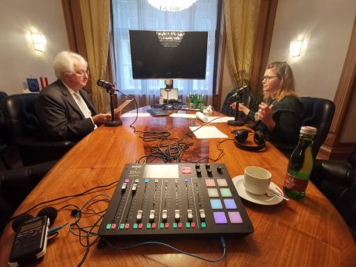 In der ersten Folge von Die Nationalbank – der Podcast spricht Gouverneur Robert Holzmann, der als OeNB-Gouverneur auch Sitz und Stimme im Rat der Europäischen Zentralbank hat, über den 12-Punkte-Plan für eine Neuausrichtung der europäischen Geldpolitik.