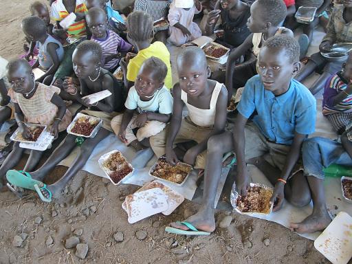 Symbolbild: Eine warme Mahlzeit für Kinder