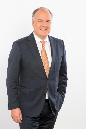 """Thomas Gindele, Hauptgeschäftsführer der Deutschen Handelskammer in Österreich (DHK): """"Die DHK schlägt die Einrichtung einer gemischten Kommission vor, um den Austausch und die Kooperation zwischen Deutschland und Österreich zu verbessern."""""""