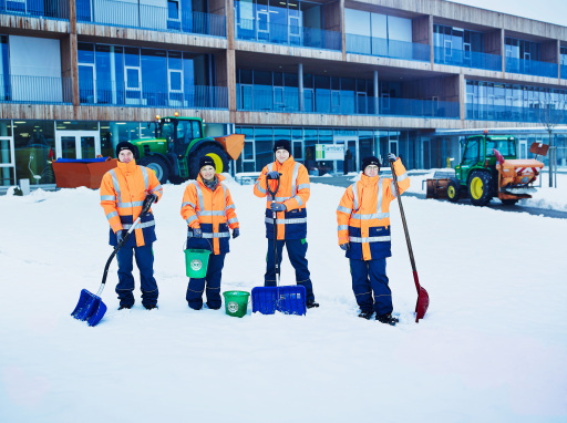 Grundstücksbesitzer und die Winterdienstleister sind auf der sicheren Seite, denn die Haftung für die Winterdienst-Leistungen übernimmt immer der Maschinenring.