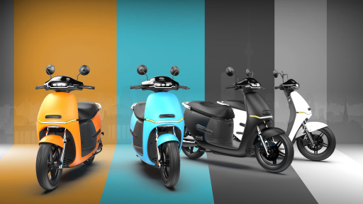 Der neue Elektro-Roller HORWIN EK1 ist ab Jänner 2021 in den Farben Orange, Mittelblau, Schwarz matt und Weiß verfügbar.