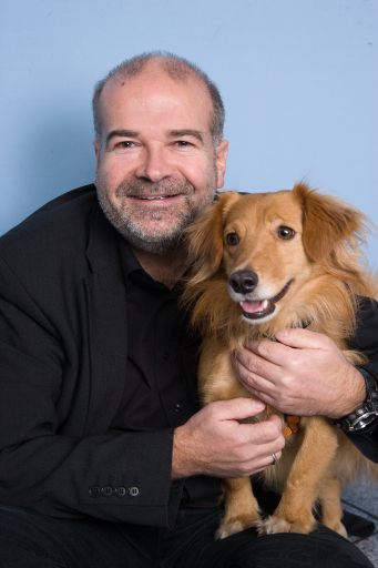 Heli Dungler mit seinem Hund Cooper