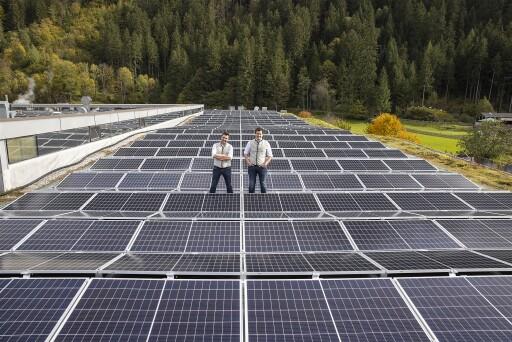 Brüder Kröll setzen auf Sonnenenergie