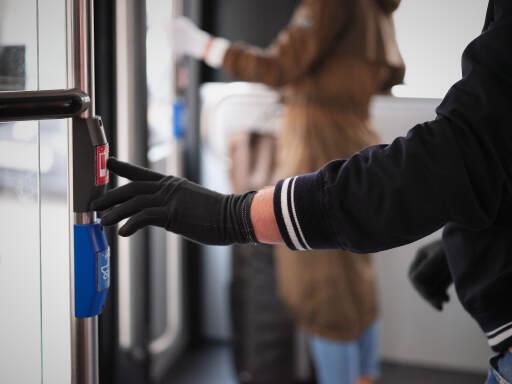 Antiviraler und antibakterieller Handschuh reduziert Übertragung von Viren