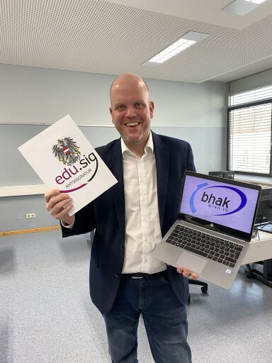 Digitale Schulnachricht an der BHAK BHAS Wien 10 Direktor Mag. Jörg Hopfgartner