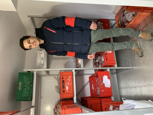 Landwirt Christian Wallner (24) in seinem Kühlraum: Die Wagyu-Steaks werden schockgefroren verkauft.