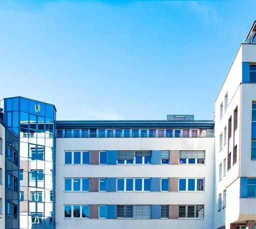 Die Hamburger APLEONA Invest hat im Januar 2021 eine Büroimmobilie mit ca. 4.750 m² Mietfläche im Zentrum von Mödling bei Wien für eine deutsche Immobilieninvestmentgesellschaft erfolgreich veräußert.