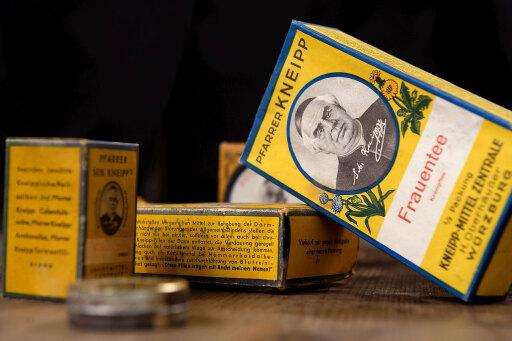 Historische Produkte aus dem Kneipp Archiv, Mitte des 20. Jahrhunderts. / Weiterer Text über ots und www.presseportal.de/nr/28515 / Die Verwendung dieses Bildes ist für redaktionelle Zwecke unter Beachtung ggf. genannter Nutzungsbedingungen honorarfrei. Veröffentlichung bitte mit Bildrechte-Hinweis.