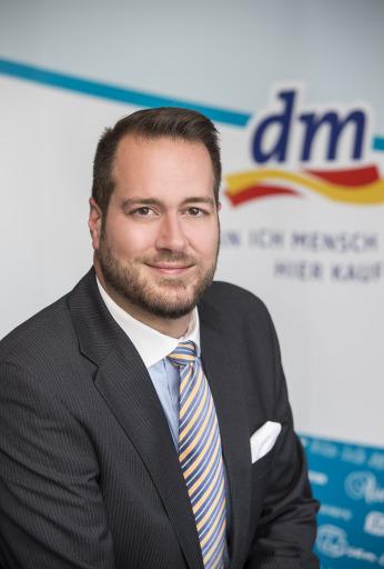 Dipl.-Betriebswirt Harald Bauer, Mitglied der dm Geschäftsführung