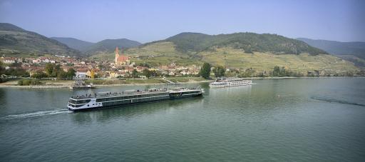 Donau bei niedrigem Pegelstand nahe Hainburg
