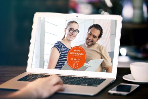 Bildtext: Virtuelle Einblicke ins Studium an der FH Salzburg: Machen Sie sich am 12. März von 9 bis 16 Uhr online ein Bild.