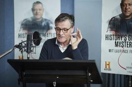 Für den HISTORY Channel im Synchronstudio: Tom Vogt leiht Laurence Fishburne seine Stimme (FOTO)