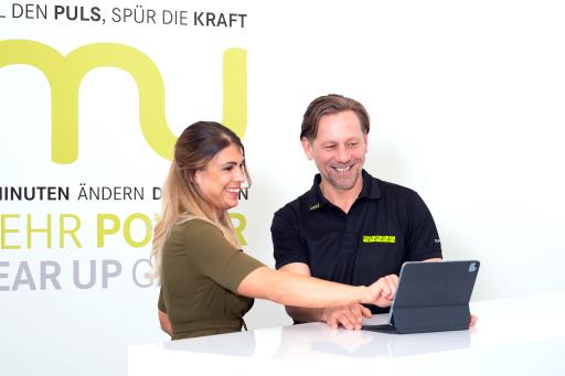 Service wird bei M.A.N.D.U. groß geschrieben - der Personal Coach nimmt sich gerne Zeit und zeigt seinen Kunden die Vorteile von Magicline auf.