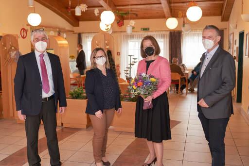 v.l.n.r.: Dir. Gerhard Dittinger, Dir.in Sabine Osanger, Landesrätin Christiane Teschl-Hofmeister und Bürgermeister Martin Leonhardsberger