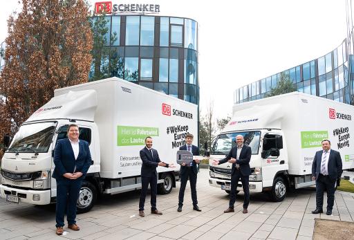 Feierliche Übergabe von zwei emissionsfreien Elektro-Lkw