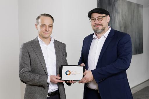 Richard Melbinger, Geschäftsführer der ARS Akademie, und Thomas Catulli, neuer Mastermind des O M F - Online Marketing Forums freuen sich über die Zusammenarbeit