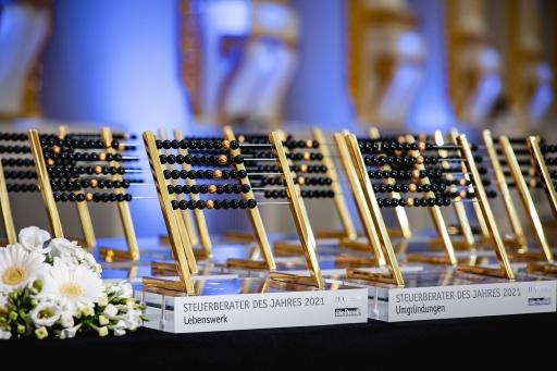 """Rekordbeteiligung: Bei der siebten Auflage des Branchen-Awards """"Steuerberaterin und Steuerberater des Jahres"""" wurden 13.898 Stimmen von Unternehmern und Freiberuflern für ihre Favoriten abgegeben."""