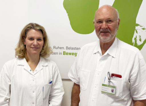 Dr. Caroline Thun-Hohenstein und Dr. Dieter Volc von der Privatklinik Confraternität bieten ganzheitliche, personalisierte Therapien für Parkinson-Erkrankte.