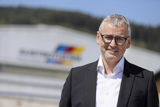 Mag. Klaus Haberfellner, Geschäftsführer der Austrotherm Gruppe, freut sich über das 3. EPS-Dämmstoffwerk in Polen.