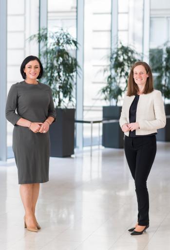 Tourismusministerin Elisabeth Köstinger und die neue Geschäftsführerin der Österreich Werbung, Lisa Weddig.