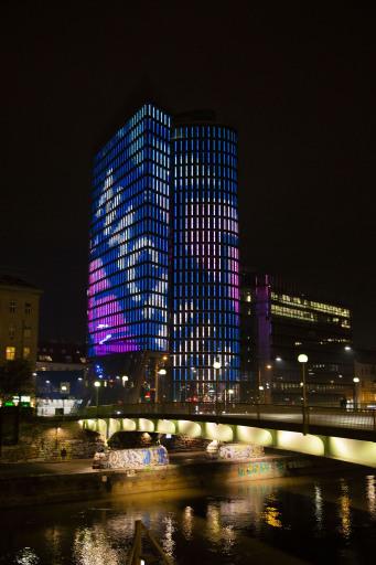 UNIQA Tower als Werteturm_Beleuchtung