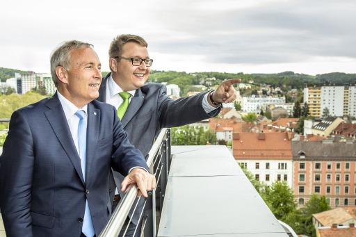Christian Purrer und Martin Graf (re.) starten Investitionsprogramm in Höhe von über 1,2 Milliarden Euro