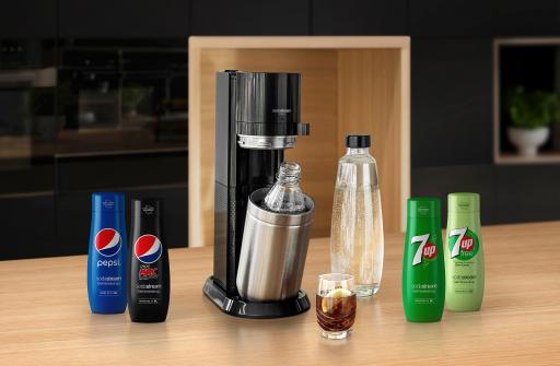 Softdrinks zum Selbermischen – SodaStream revolutioniert mit neuen PepsiCo-Sirups den österreichischen Getränkemarkt. Die Sorten: Pepsi, Pepsi Max, 7UP, 7UP free (ohne Zucker).