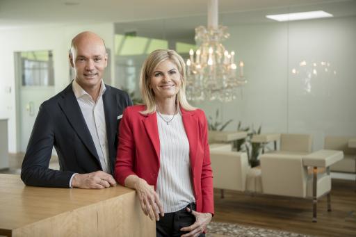 Mag. Roland Hebbel und Mag. Ute Steinbacher sind stolz, dass sie gemeinsam mit ihren 450 Mitarbeitern eine gute Bilanz im Corona-Geschäftsjahr ziehen können.