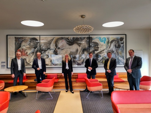 von links: Manfred Gerger MBA (Präsident IV Burgenland), Johann Bock (Vizepräsident IV Burgenland), Dr.in Ingrid Puschautz-Meidl (Geschäftsführerin IV Burgenland), Mag. Christoph Neumayer (Generalsekretär IV), PD Dr. Markus Bohrer (GF Lasertec GmbH), Robert Wagner MA (Direktor DPU).