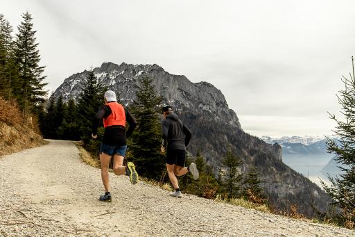 """Die persönlichen Erfahrungen der Bergmarathon-Legenden sind in einer siebenteiligen """"Mini-Doku-Serie"""" auf der Landingpage der Kampagne und den Sozialen Kanälen von SPORT 2000 zu sehen."""