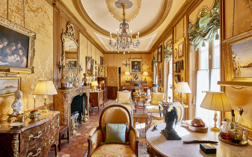 Grand Salon im Haus Alain Grubers in Fribourg