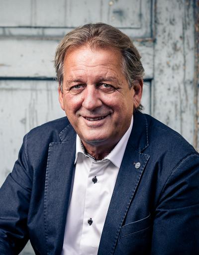 Erwin Zangerl, AK Präsident