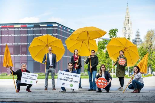 Photovoltaic Austria am Heldenplatz zum Tag der Sonne