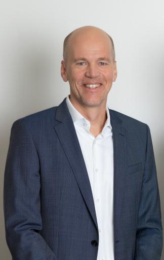 ACP Vorstand Rainer Kalkbrener freut sich über das starke Geschäftsführer-Duo im Osten Österreichs