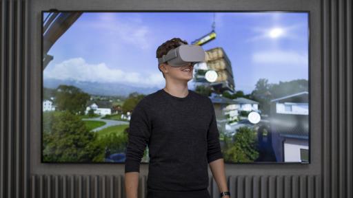 Mit VR-Brille in die Arbeitsumgebung eintauchen: Lehrlinge stellen Alterskollegen ihren Beruf vor