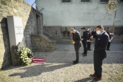 Nationalratspräsident Wolfgang Sobotka (ÖVP) beim gemeinsamen Gedenken mit Mitgliedern des CV und MKV