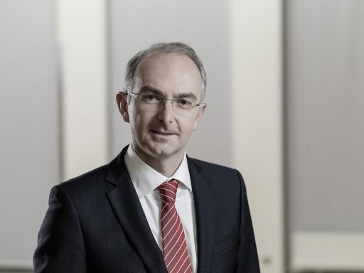 Prim. Priv. Doz. Dr. Bernd Lamprecht, Vorstand der Klinik für Lungenheilkunde der Kepler Universität Linz, informiert beim Online Dialog 'Rauchen & Covid-19' am 31.5.2021.