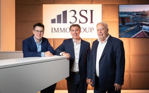 Claus, Michael und Harald Schmidt freuen sich über den gelungenen neuen Markenauftritt.