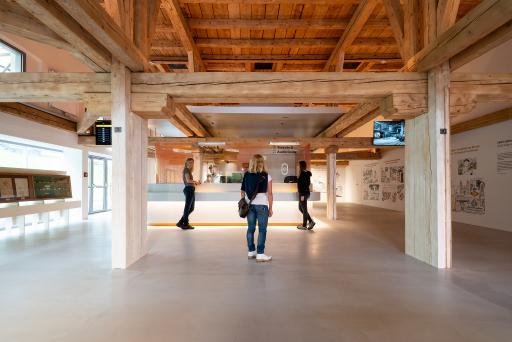 Das alte Magazingebäude wurde in ein modernes Besucherzentrum verwandelt