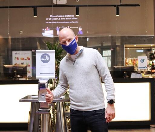 Oliver Winter, CEO der a&o Hostels, will a&o in der Branche zu einem Vorreiter in Sachen Hygiene machen