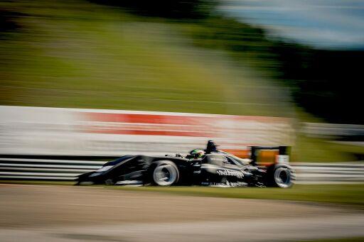 Formel-3-Rennwagen bei der XLR8 Racing Experience
