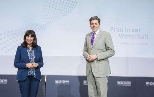 v.l.n.r.: WKÖ-Vizepräsidentin Martha Schultz und WKÖ-Präsident Harald Mahrer