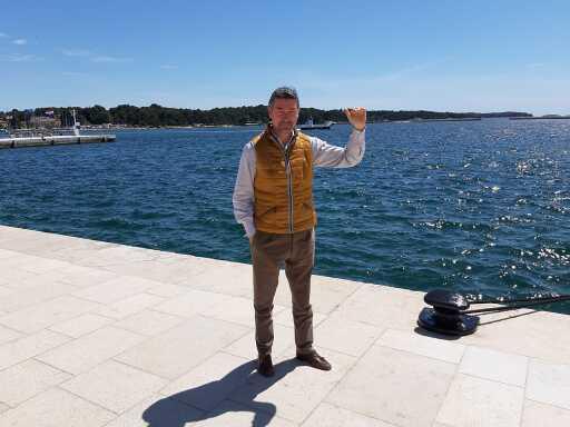 Denis Ivošević im Hafen von Porec.