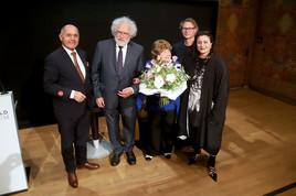 Leopold Museum: Marjorie Perloff erhält Österreichisches Ehrenkreuz für Wissenschaft und Kunst 1. Klasse und Staatsbürgerschaft