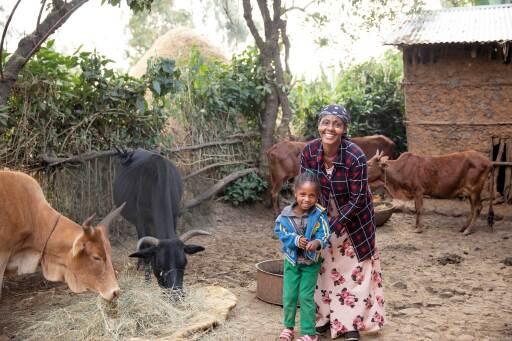 Workinesh war in ihrer Gemeinde eine der Ersten, die mithilfe eines Mikrokredits das Leben ihrer Familie von Grund auf verändern konnte. 2020 wurde diese Chance 214 weiteren Frauen durch die Unterstützung der Spenderinnen und Spender des Vereins Menschen für Menschen ermöglicht.